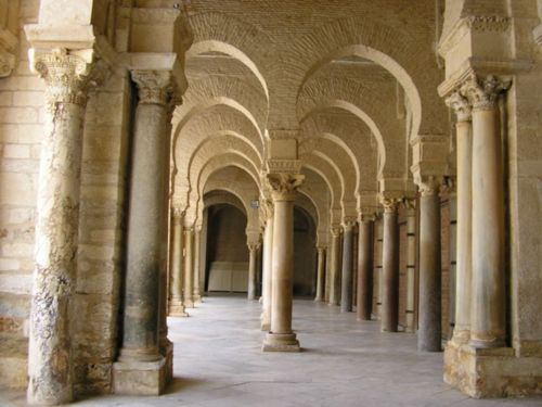 500px-Galerie_of_Great_Mosque_at_Kairouan.jpg